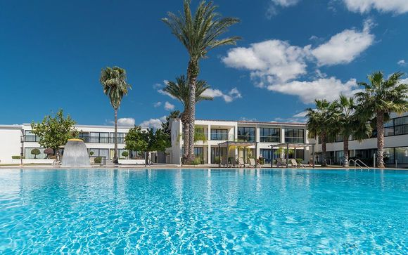 Royal Blue Hotel and Spa 4*