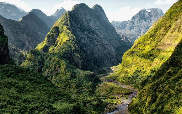 Autotour entre plages et montagnes et extension possible à l'île Maurice