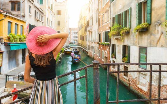 Élégance vénitienne face à la lagune