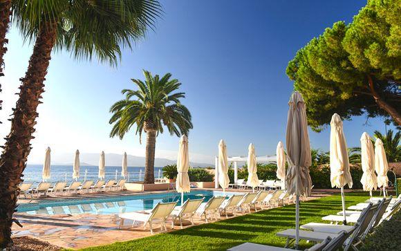 Adresse de charme et de luxe, Excursion en Mer & Panier gourmand inclus - Ajaccio -
