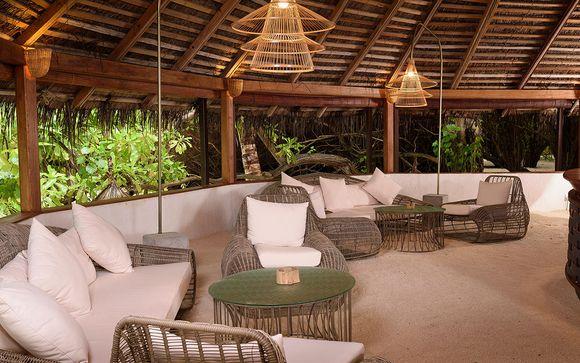 Poussez les portes de l'Hôtel Makunudu Island 4*
