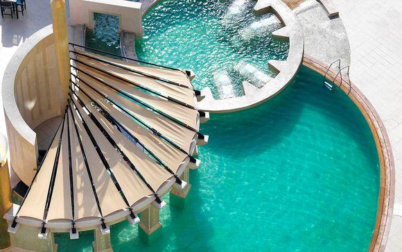 Poussez les portes de l'Hôtel Raffles Dubai 5*
