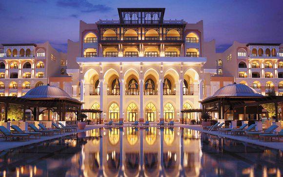 Poussez les portes du Shangri-La Hotel, Qaryat Al Beri 5*