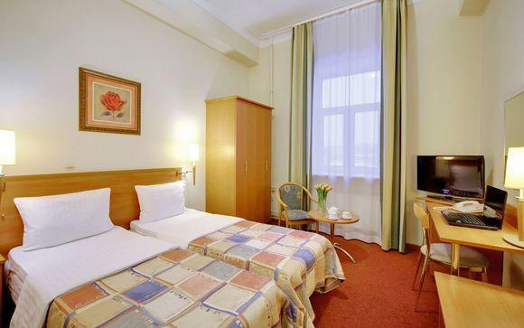 Hotel Oktyabrskaya 4* o similare