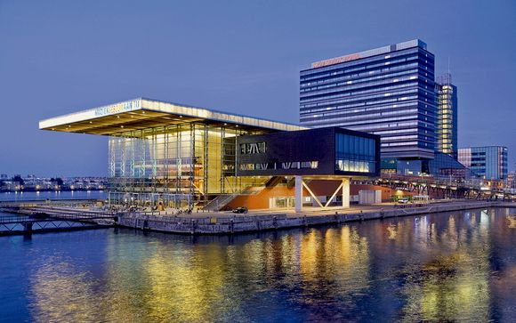 Hotel Movenpick Amsterdam City Centre 4*