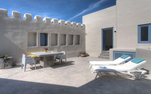 Il Luna Santorini Suites and Villas 4*