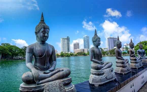 Tour culturale dello Sri Lanka e soggiorno mare a Passikudha