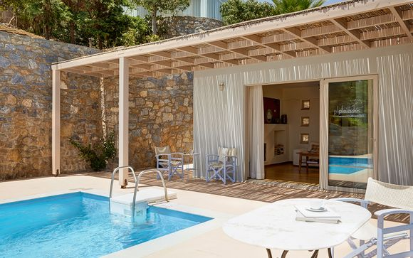 Pleiades Luxury Villas 5*