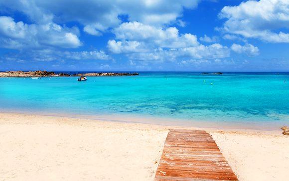 Relax e night life a pochi passi dalla spiaggia di Es Pujols