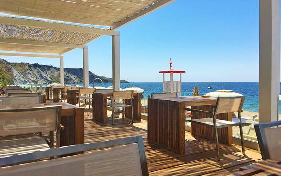 Resort a 5* sulla Costa Ionica con servizio spiaggia