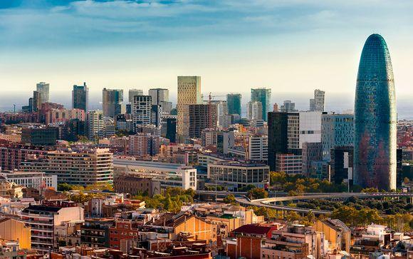 Soggiorno catalano in hotel contemporaneo con vista sulla città