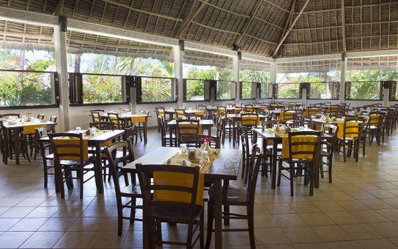 L'Uroa Bay Beach Resort 4*