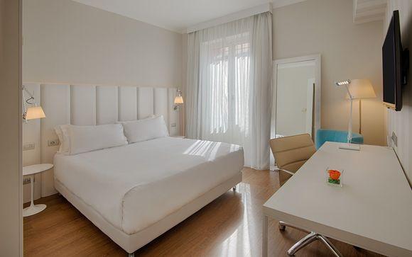 Hotel NH Genova Centro 4*