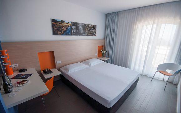 Hotel Kaos 4*