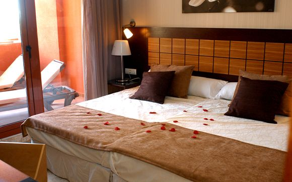 Holiday World Polynesia Hotel 4*