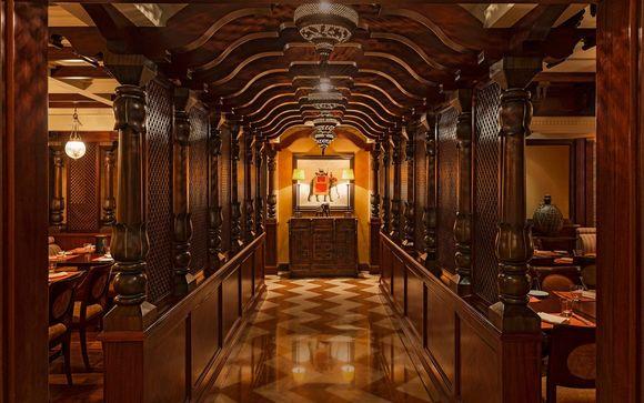 Lo Sheraton Dubai Creek Hotel & Towers 5*
