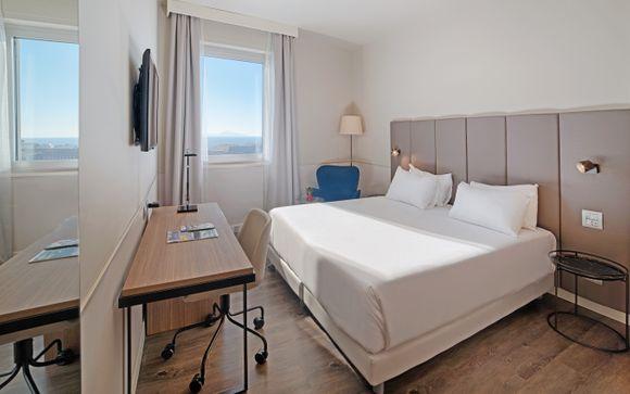 L'Hotel NH Napoli Panorama 4*