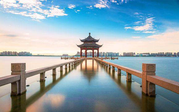 Temple, méditation et vue sur la mer de Chine orientale
