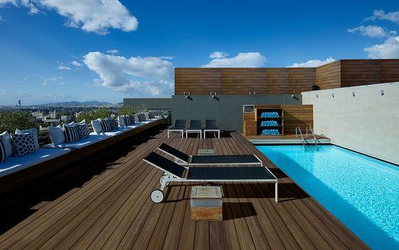 Fresh Hotel Athens 4*