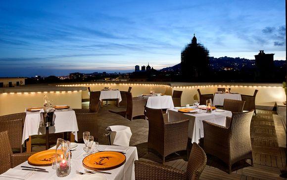 Hotel UNA Napoli 4*