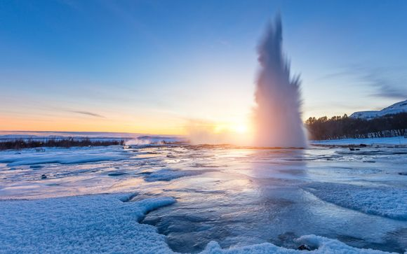 Discovery of Iceland with Northern Lights & Golden Circle Tours