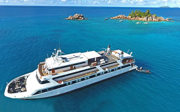 Mega Yacht Cruise in the Seychelles