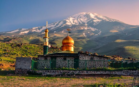10 Day Persian Circuit with Private Driver 4* or 5*