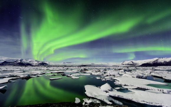 Iceland Explorer: The Golden Circle and Northern Lights