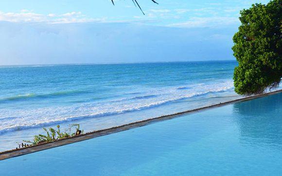 Baobab Beach Resort & Mini Safari 4*
