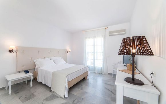 Hotel Paros Land 4*