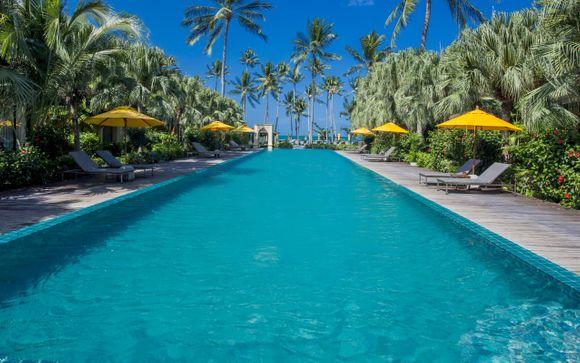 Century Park Hotel Bangkok & Paradise Beach Resort & Spa 4*