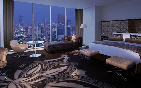 Gulf Bedroom Views & Undisputed Opulence