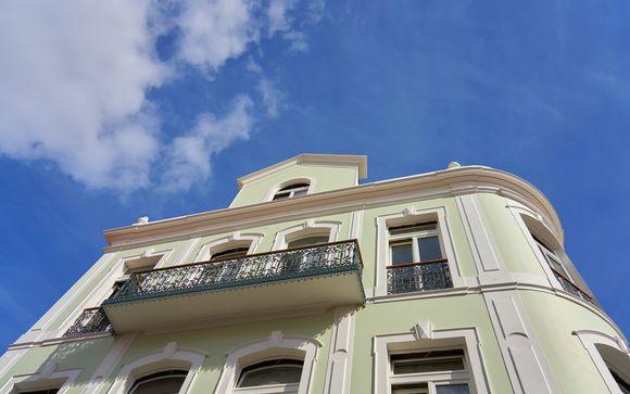 Cajú Le Petit Hotel 4*