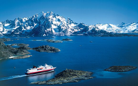 Polar Experiences & Hurtigruten Cruise