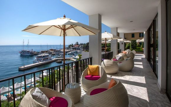 Luxurious Coastal Break at Riverside Hotel