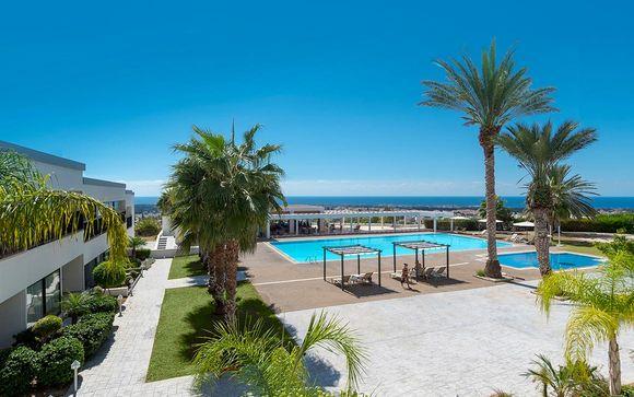Royal Blue Hotel & Spa 4*