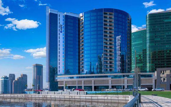Radisson Blu Hotel, Dubai Waterfront 5*