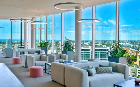 Struttura con lounge all'ultimo piano con vista panoramica