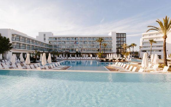 Relax a Ibiza in 4* con mezza pensione