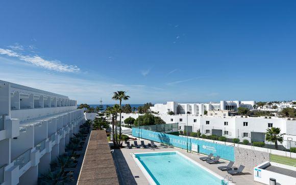 L'Aequora Lanzarote Suites 4*