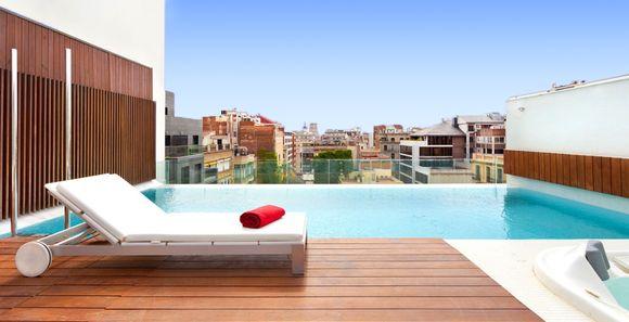 Hoteles romanticos en barcelona y con jacuzzi privado for Hoteles con encanto bcn